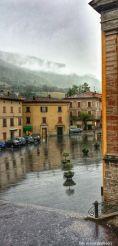 piazza luceoli. giornata di pioggia.