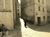 un giovane prete. san niccolò. piazza luceoli.